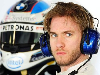 Nick Heidfeld will replace Spaniard Pedro de la Rosa at Sauber for the remaining five races of the season.