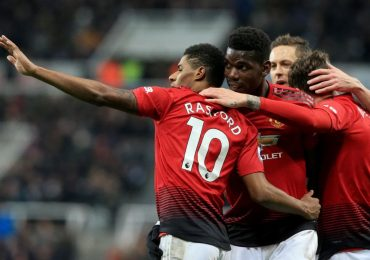 Manchester United Pull Down Arsenal