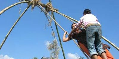 swing or Ping made of grass in the villages.