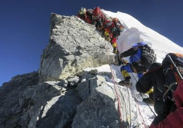 Deadliest Avalanche on Everest Killed 15 People