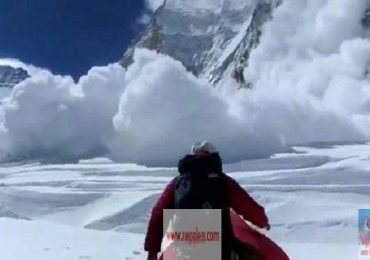 Avalanche on Everest March 2014