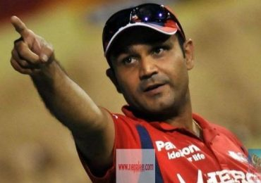 The winning moment of Kings XI Punjab, Its Captain Virender Sehwag rejoice.