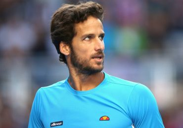 Feliciano Lopez knocks out second seed Tomas Berdych at Queen's