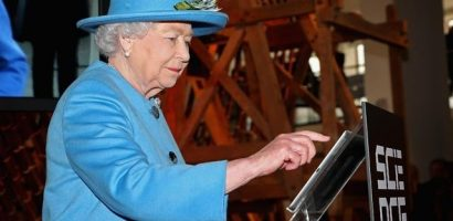 Queen of England also hit by economic downturn