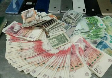 Man arrested with foreign currencies worth of Rs 2.6m